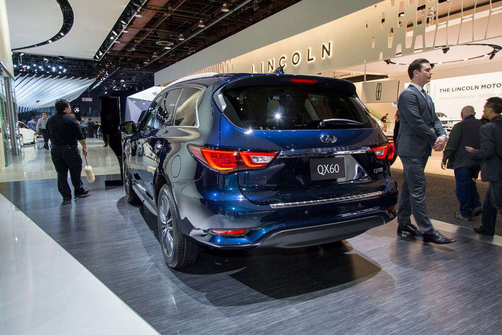 17Infiniti_QX60_AS_AC_01.jpg