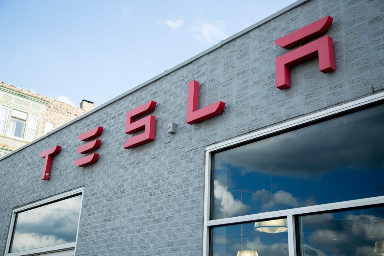 Tesla_Model-3_AC_08.jpg
