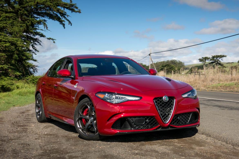 Alfa Romeo Giulia Reliability >> 2017 Alfa Romeo Giulia Review First Drive News Cars Com