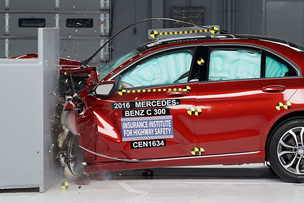 IIHS Names 2015-16 Mercedes-Benz C-Class a Top Safety Pick Plus