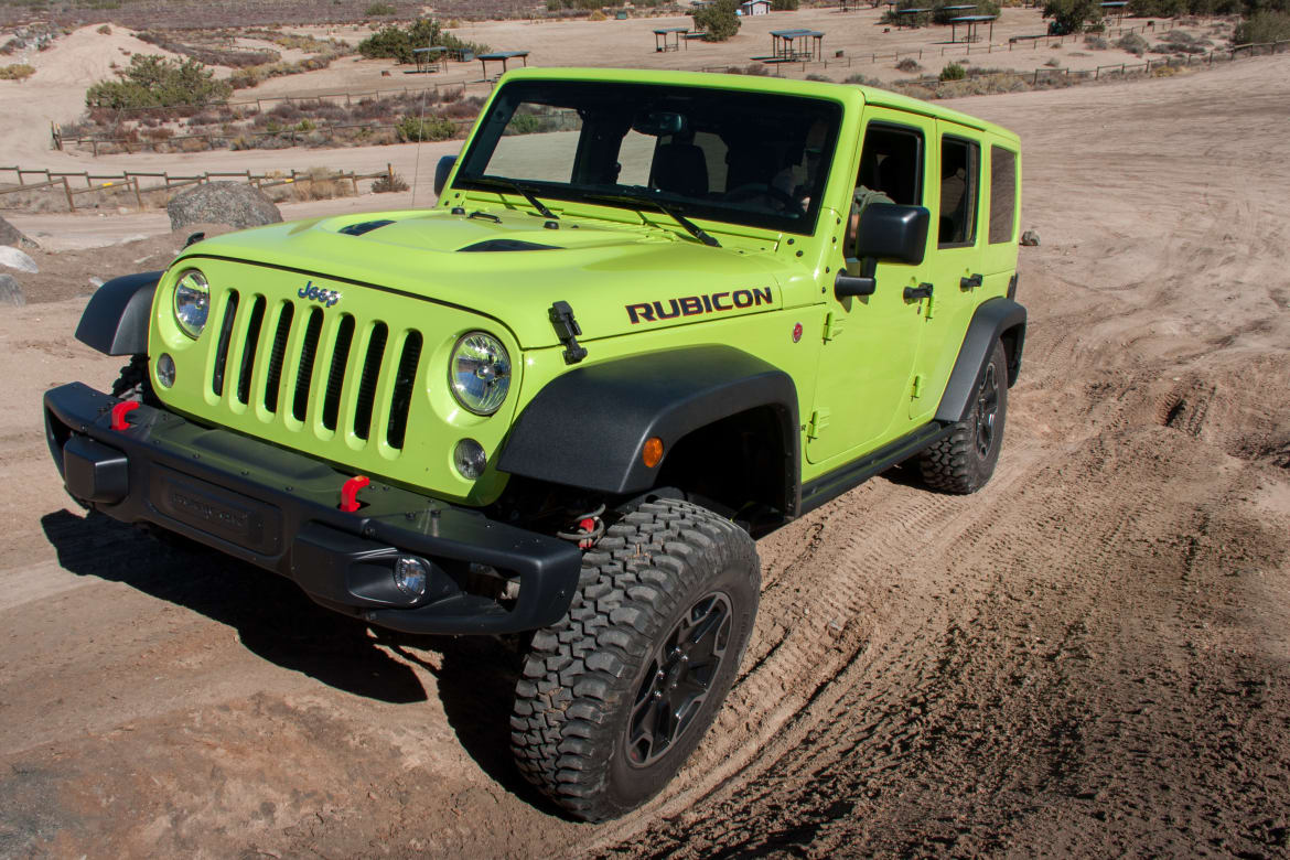 17Jeep_Wrangler-Unlimited_BW_05.jpg
