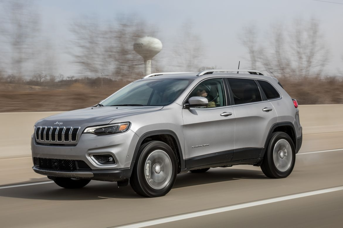 2019 Jeep Cherokee MPG: Our Real-World Testing Results