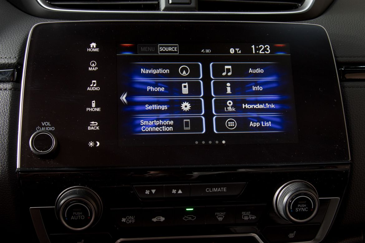 19-honda-cr-v-2019-center-stack-display--interior.jpg