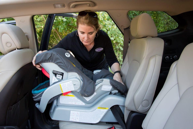 How Do Car Seats Fit in a 2018 Hyundai Santa