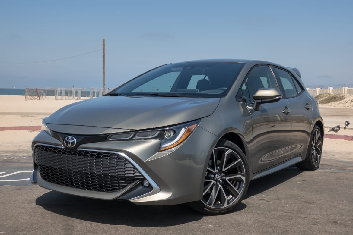 Learning To Drive Stick The 2019 Toyota Corolla Hatchback