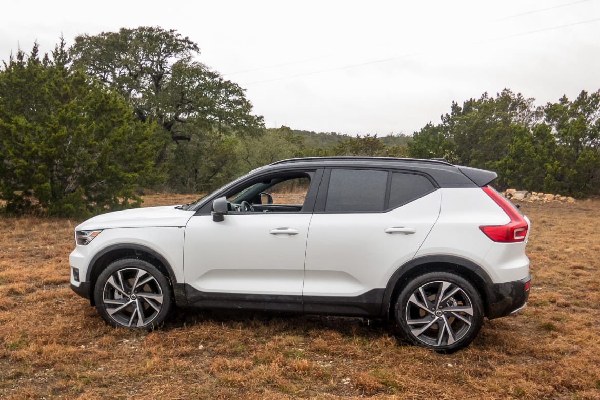 First Drive 2019 Volvo Xc40 Makes Competitors Look Dated Stuffy Or