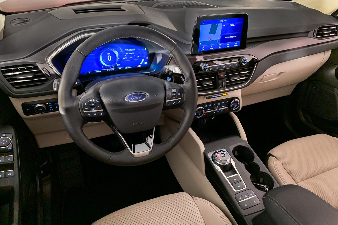 revamped  ford escape    compact suv competition news carscom