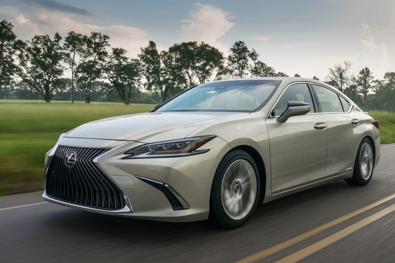 Pump Less Pay Less 2019 Lexus Es Hybrid Price Cut Gas Model Goes