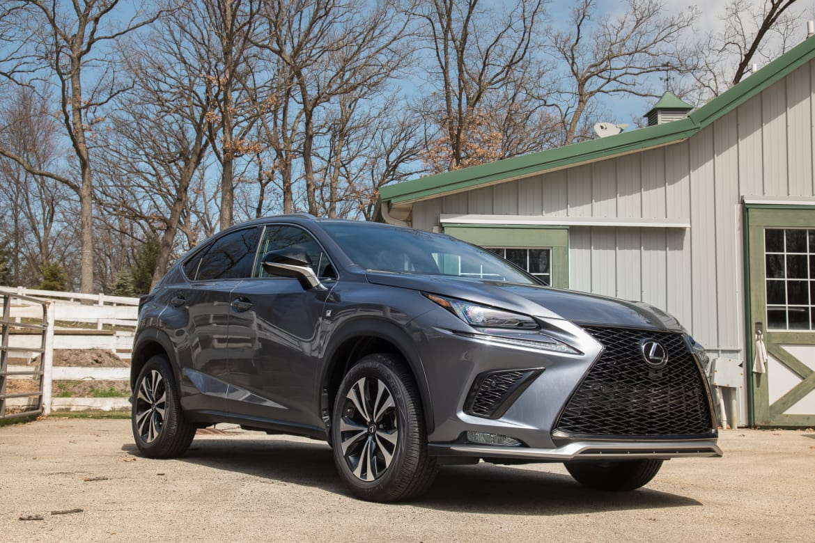 02-lexus-nx-300-2018-lc-suv-chl-cl-angle--exterior--front--grey.