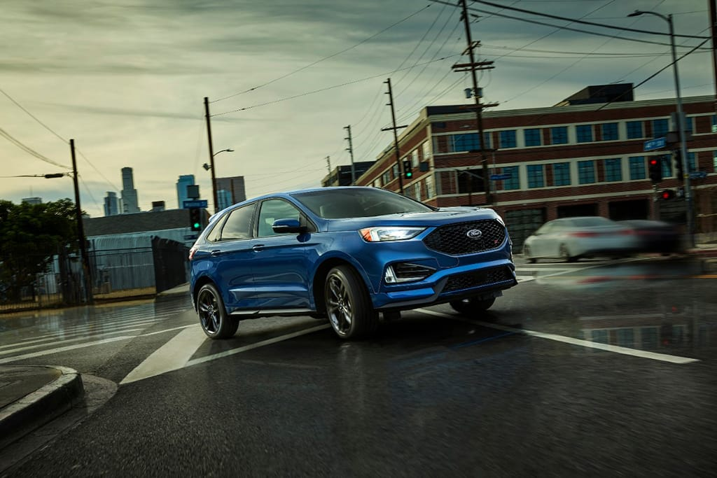 Ford Edge Gas Mileage >> 2019 Ford Edge Dulls Mileage Expectations Sharpens Awd