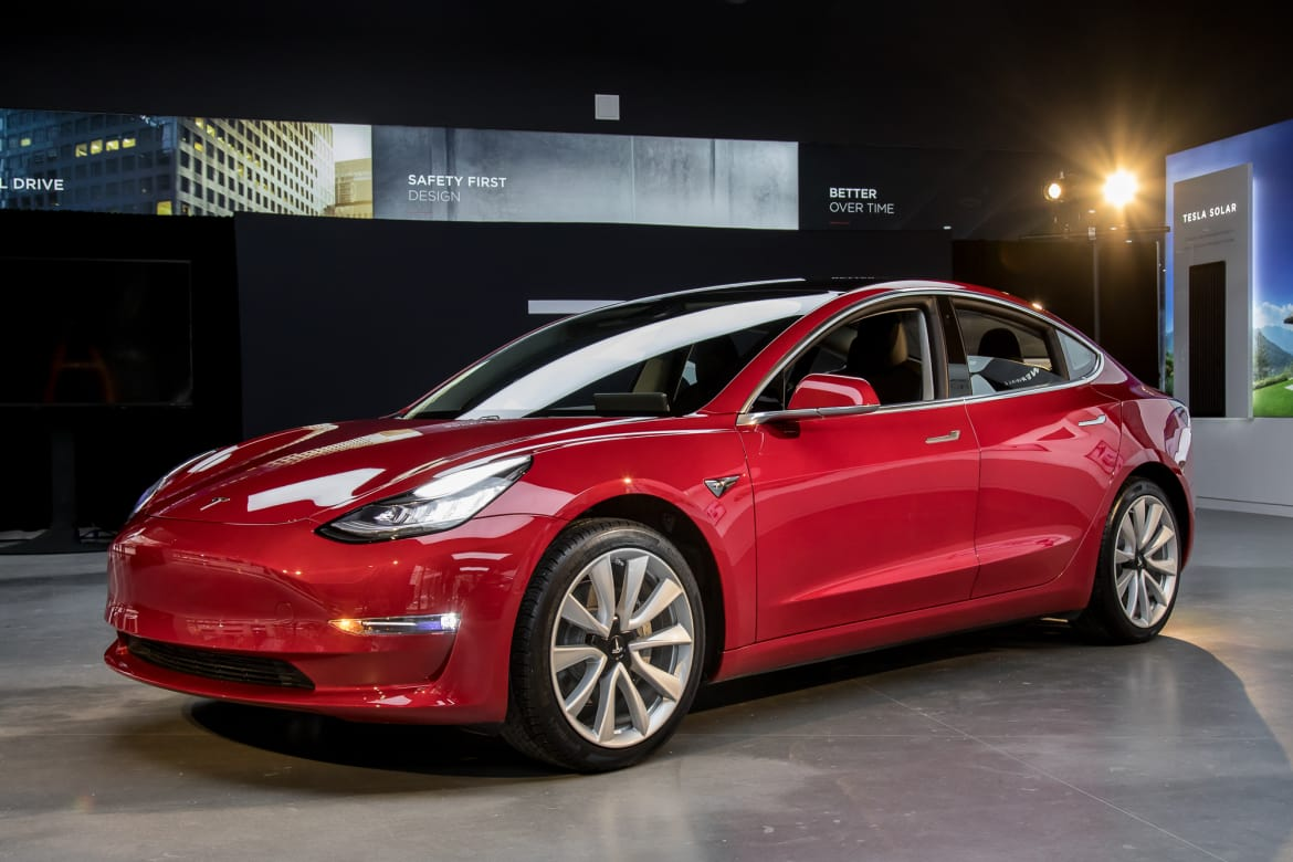 Tesla Model 3 Awd >> Tesla Boss Musk Tweets Up Storm Of Awd Model 3 Specs News
