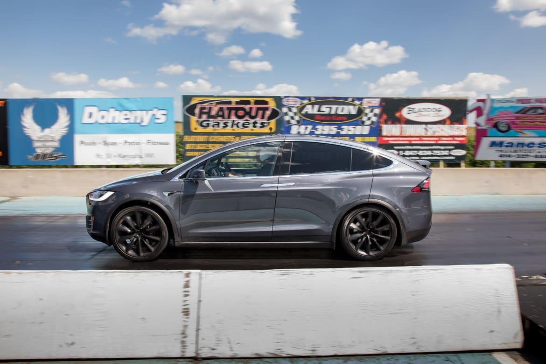 07-tesla-model-x-2018-drag-strip--dynamic--exterior--grey--profi