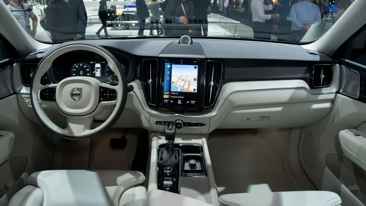 2018 Volvo XC60s Touchscreen Is More Logical   News   Cars com