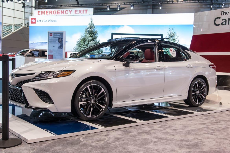 Auto Show Face Off 2020 Subaru Legacy Vs 2019 Toyota Camry News