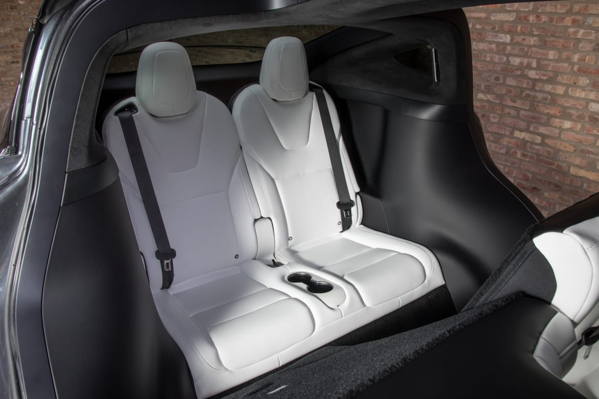 Swell Tesla Model X 8 Things We Like A Lot And 8 We Dont Creativecarmelina Interior Chair Design Creativecarmelinacom