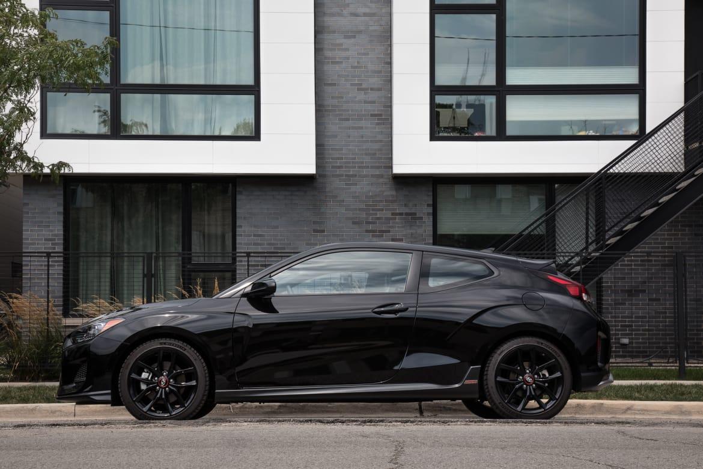 03-hyundai-veloster-turbo-r-spec-2019-black--exterior--profile.j