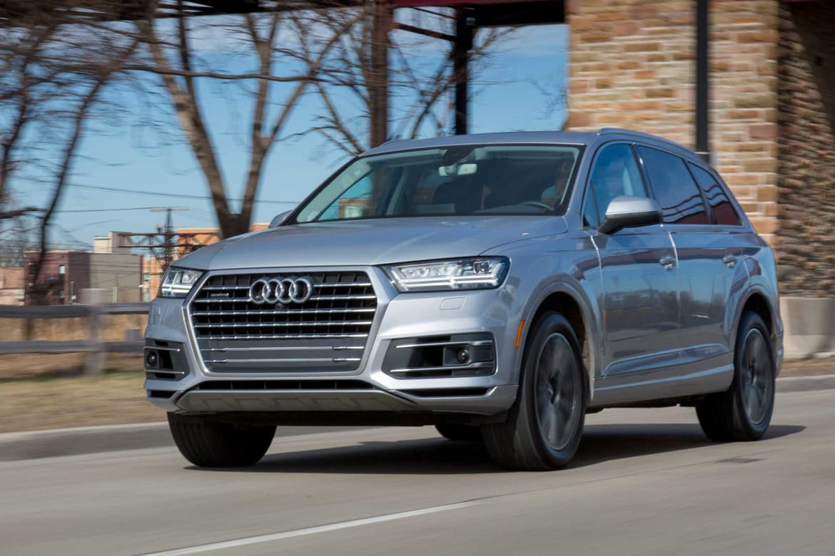 How Do Car Seats Fit in a 2018 Audi Q7? | News | Cars com