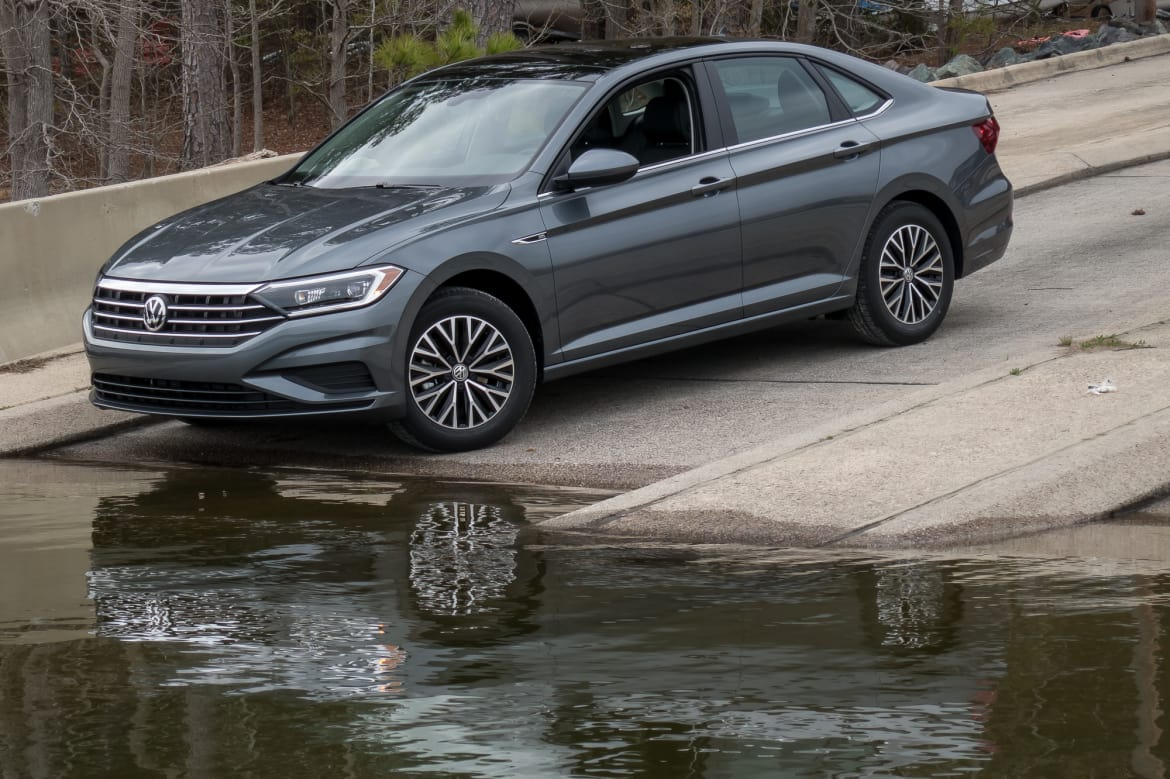 2019 Volkswagen Jetta: 10 Things We Like and 5 Things We Don't