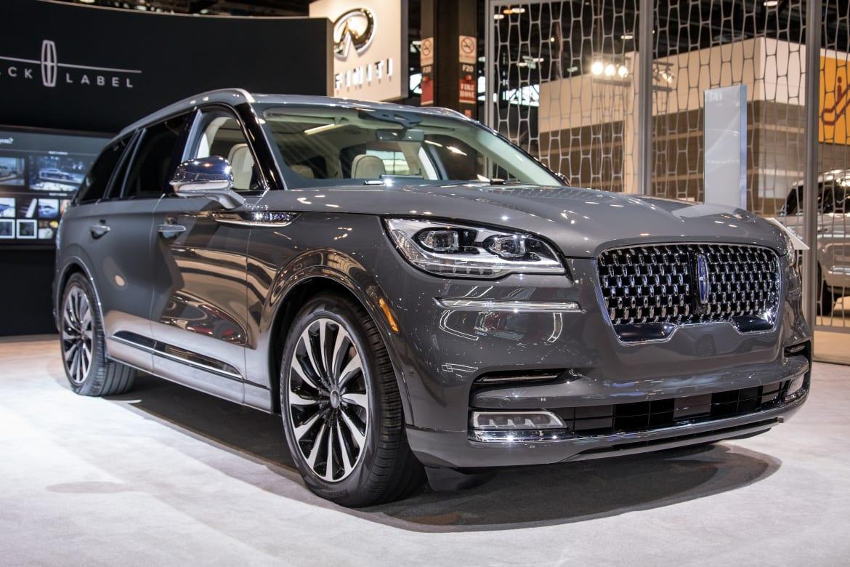Auto Show Face Off 2020 Cadillac Xt6 Vs 2020 Lincoln Aviator