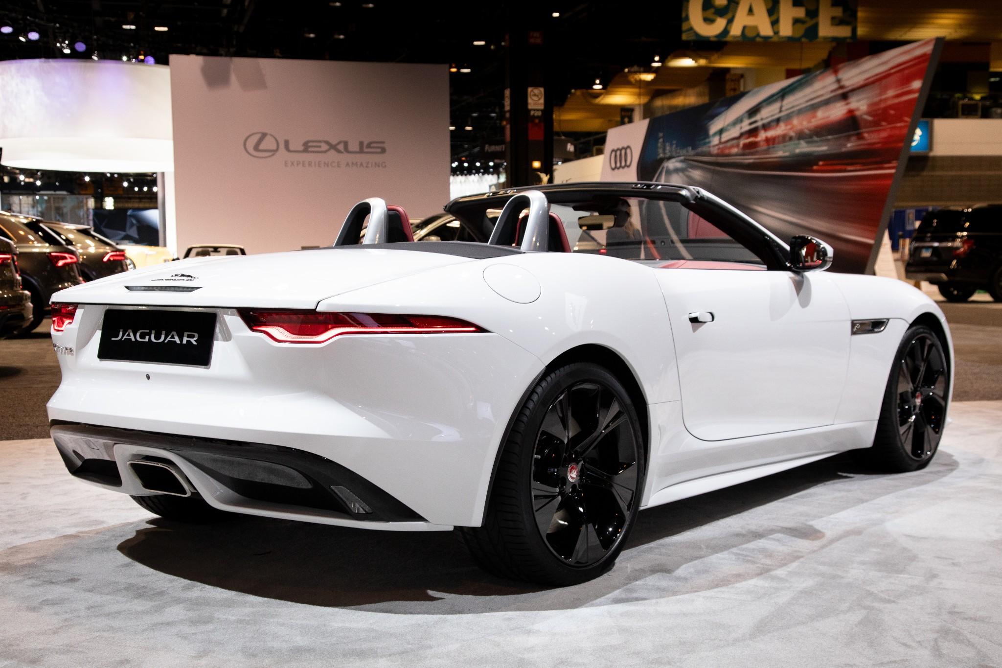 jaguar-f-type-2021-6-exterior--rear--white.jpg
