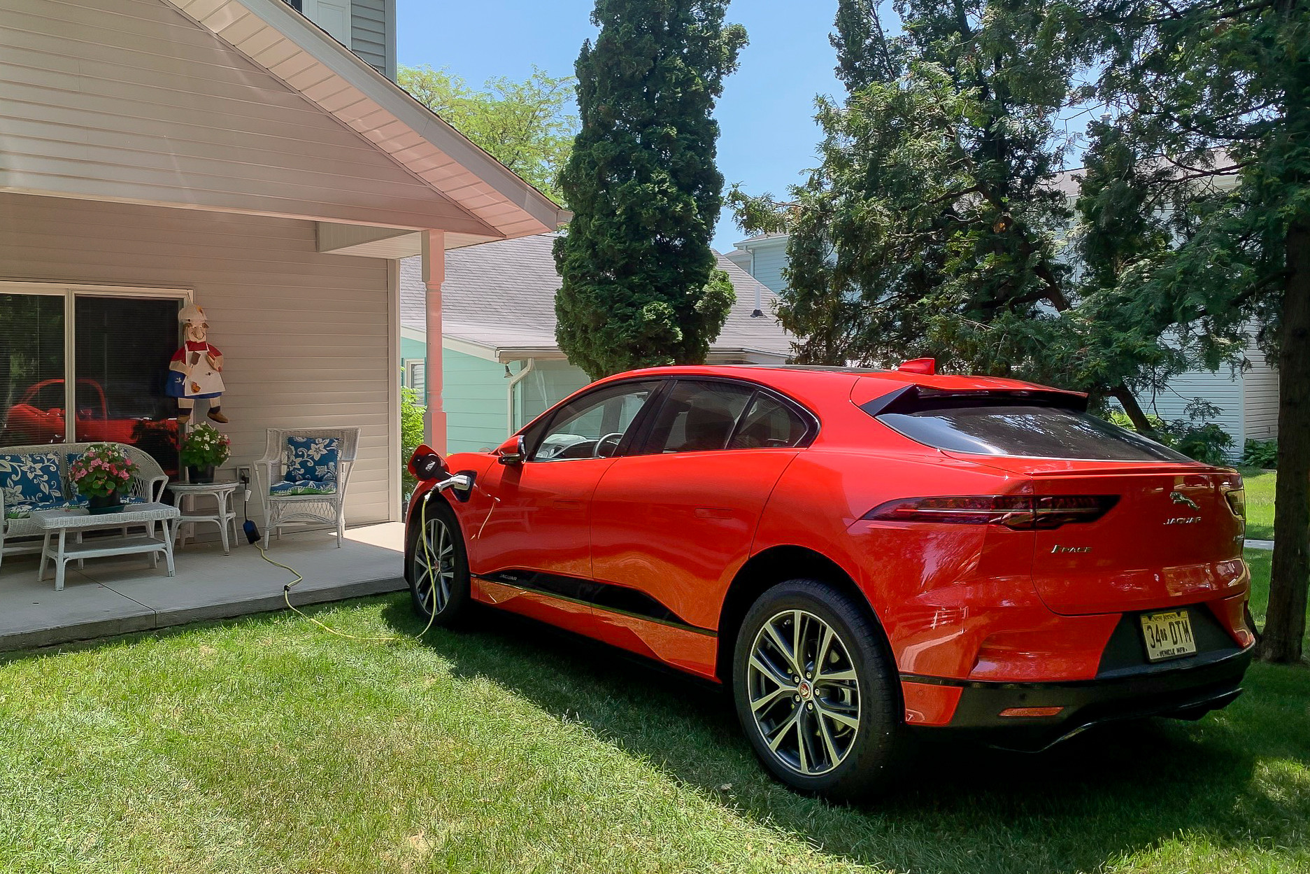 Jaguar I-Pace Adds (a Tad) More Electric Range