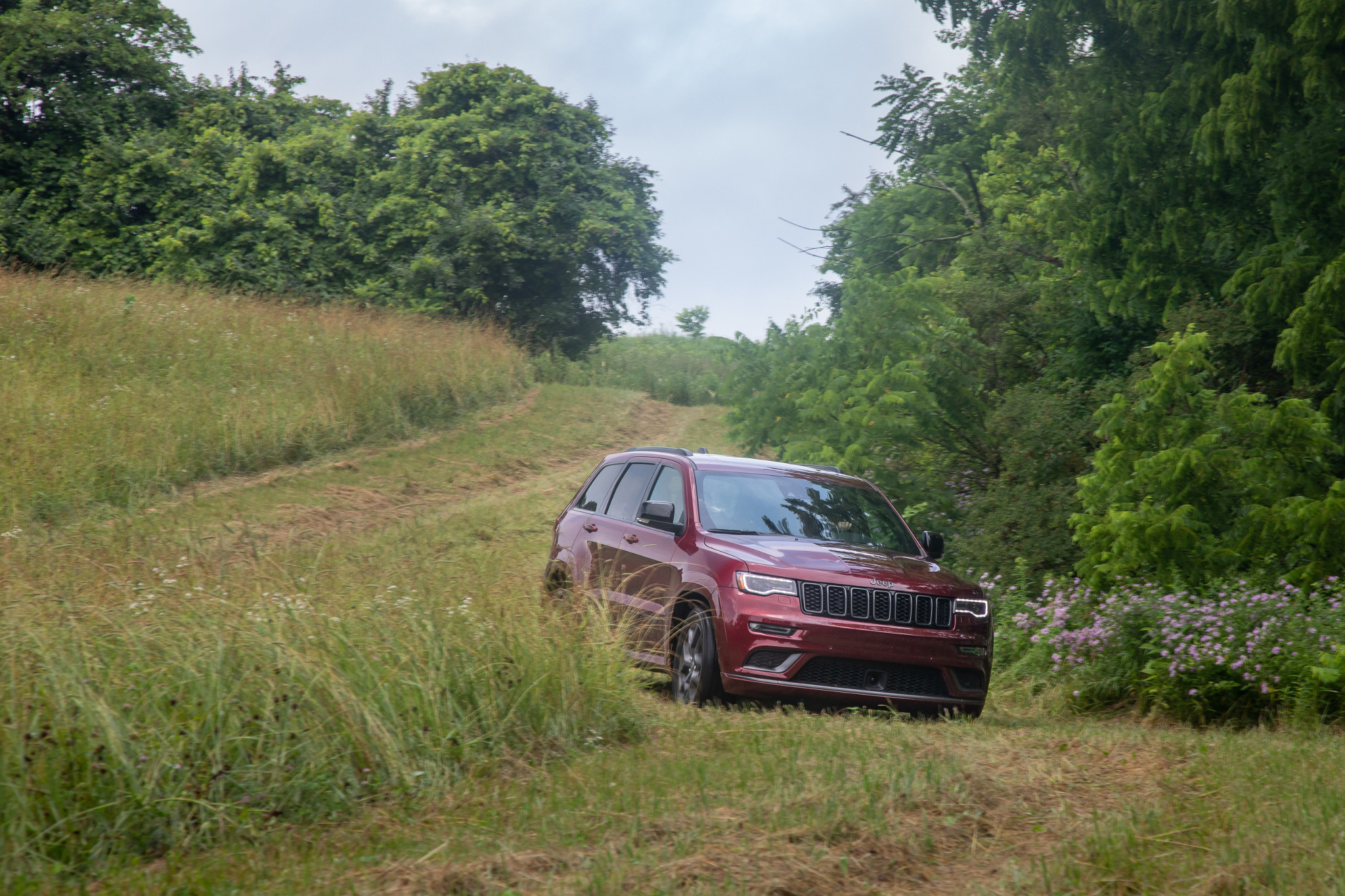 2019 Jeep Grand Cherokee Review: Good Old Dog Running Out of Tricks