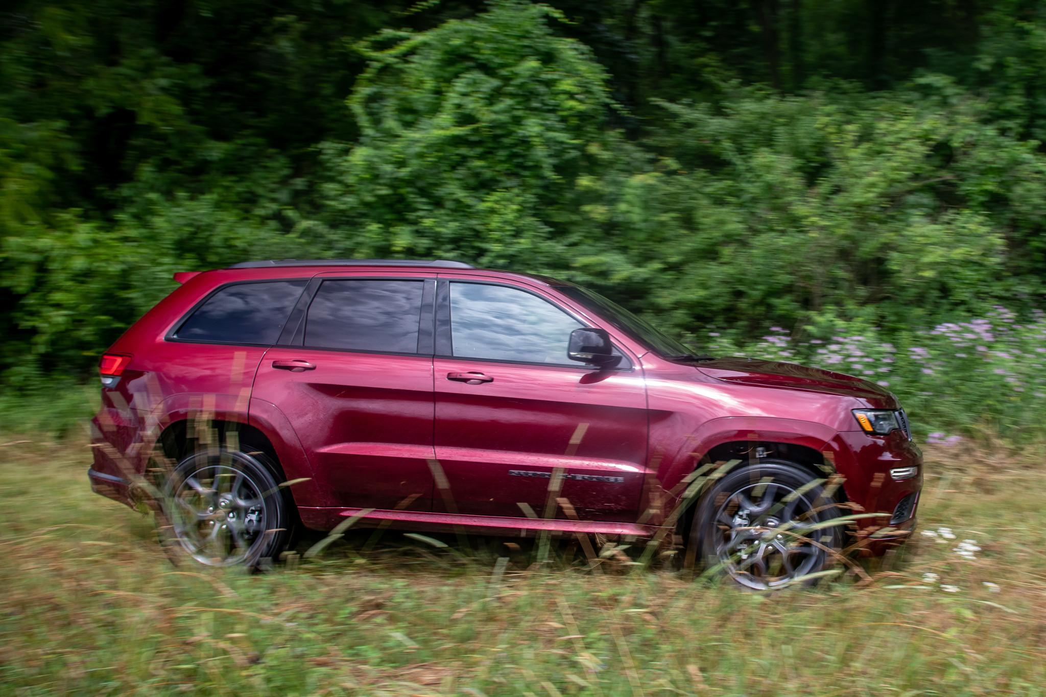 jeep-grand-cherokee-2019-03-exterior--red.jpg