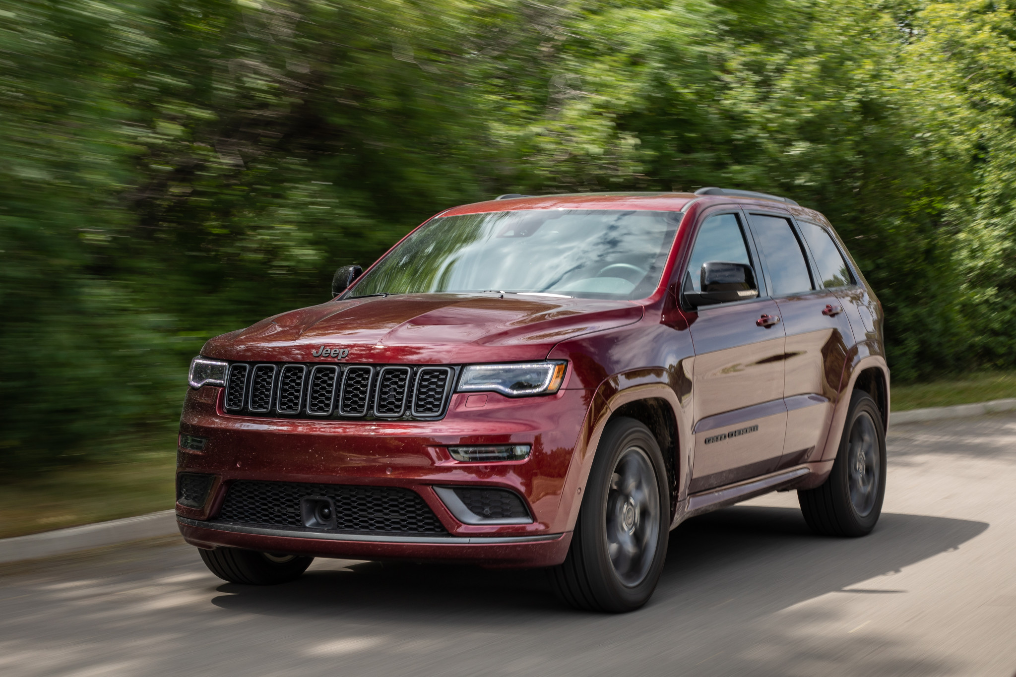 jeep-grand-cherokee-2019-06-exterior--front--red.jpg