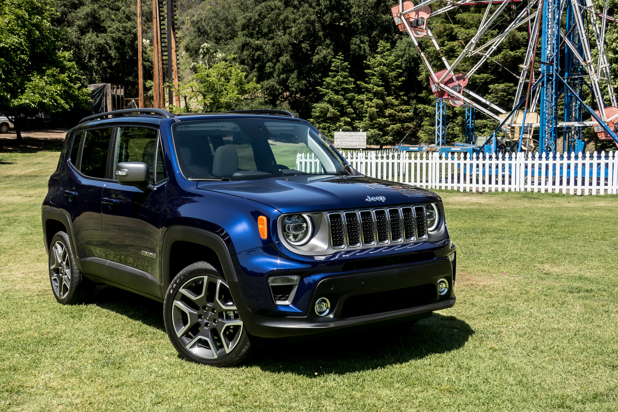 2020 Jeep Renegade Hybrid Debut Details >> 2019 Jeep Renegade Quick Spin A Fun Small Suv With A Big