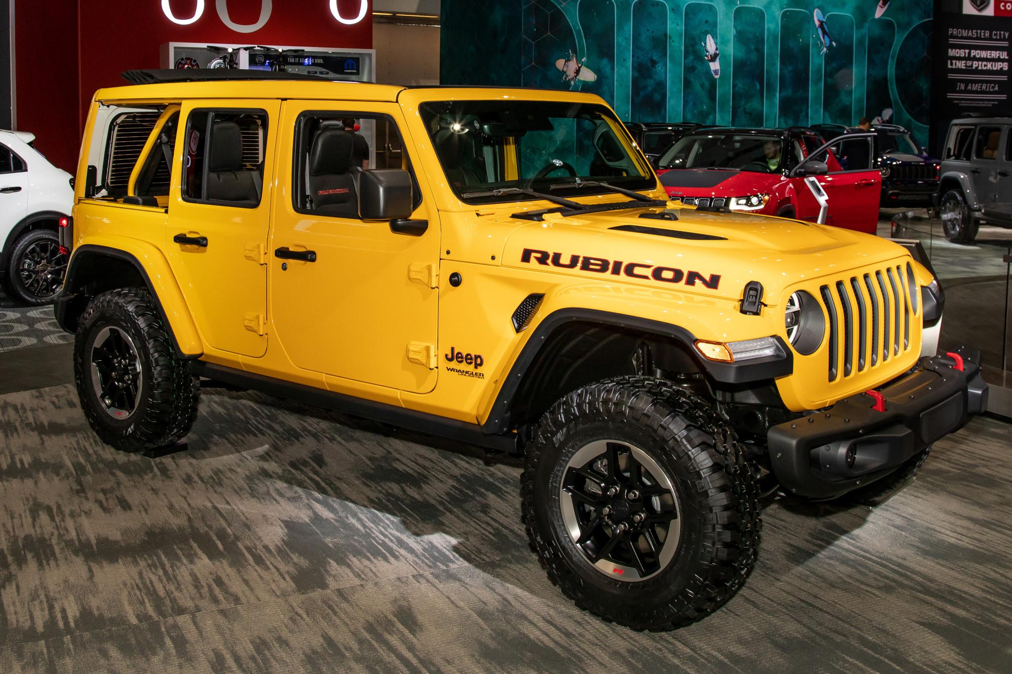 jeep-wrangler-2020-01-angle--exterior--front--yellow.jpg