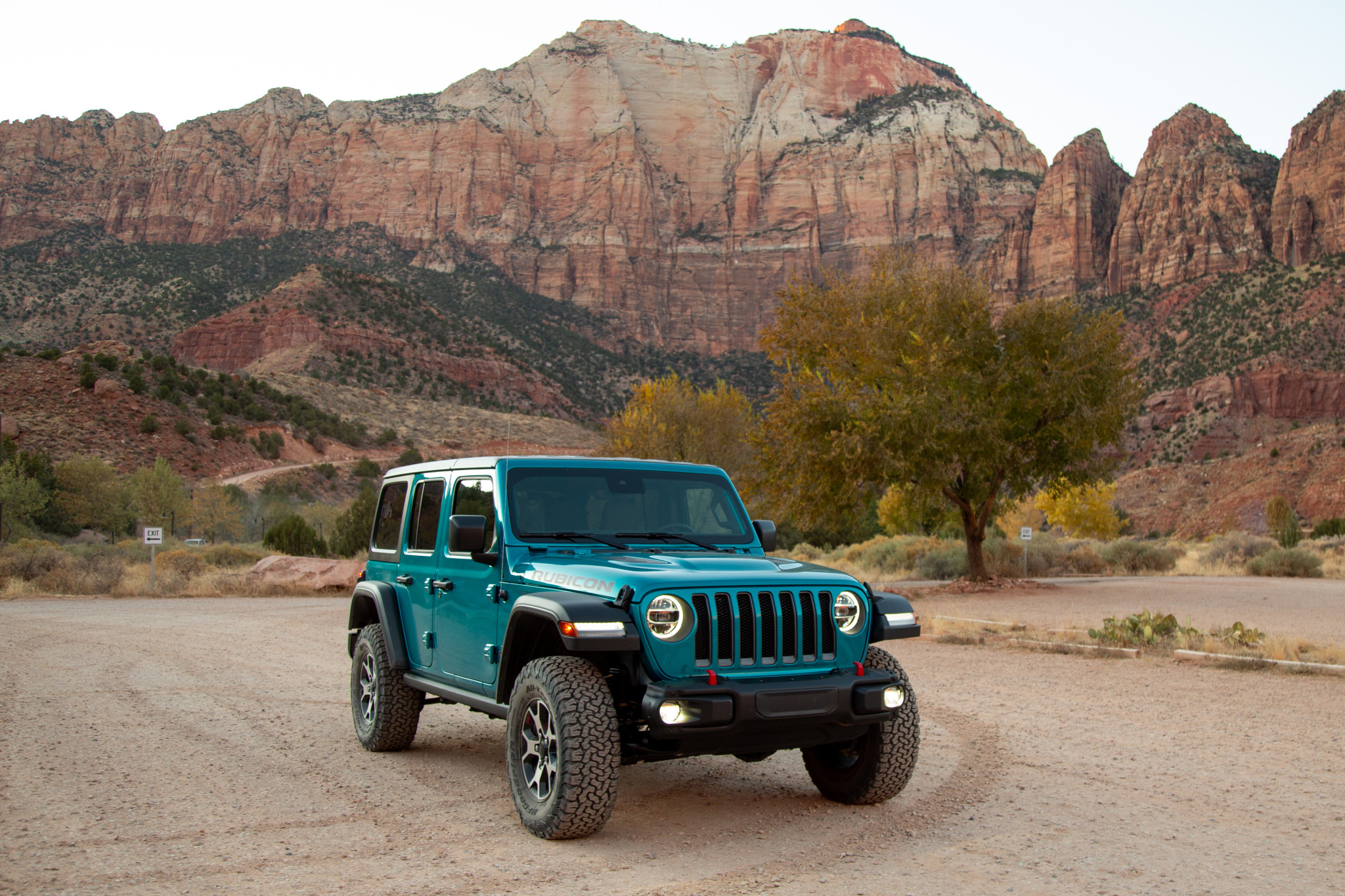 2020 Jeep Wrangler Ecodiesel 7 Pros And 4 Cons News Cars Com