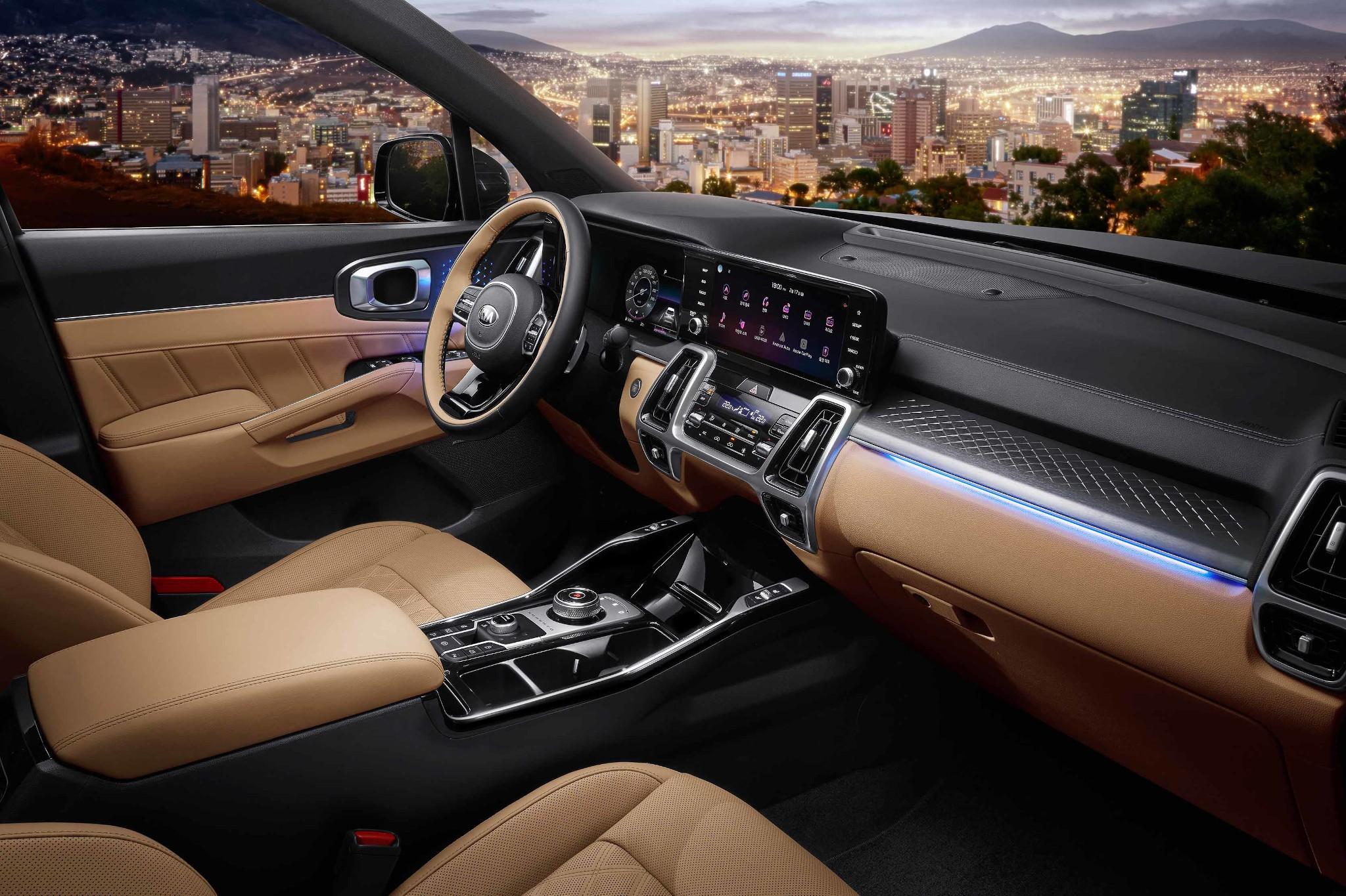 kia-sorento-2021-06-front-row--interior.jpg