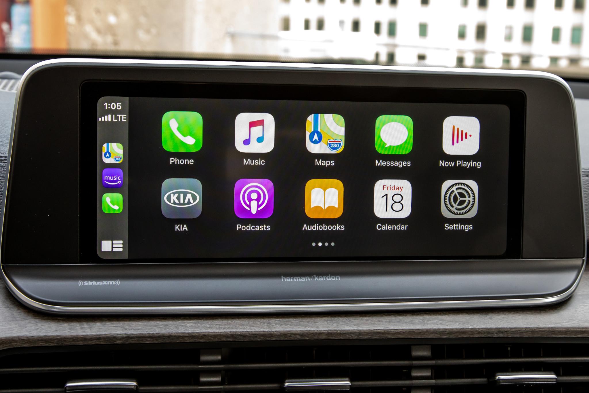 kia-telluride-sx-awd-2020-32-apple-carplay--center-stack-display--front-row--interior.jpg