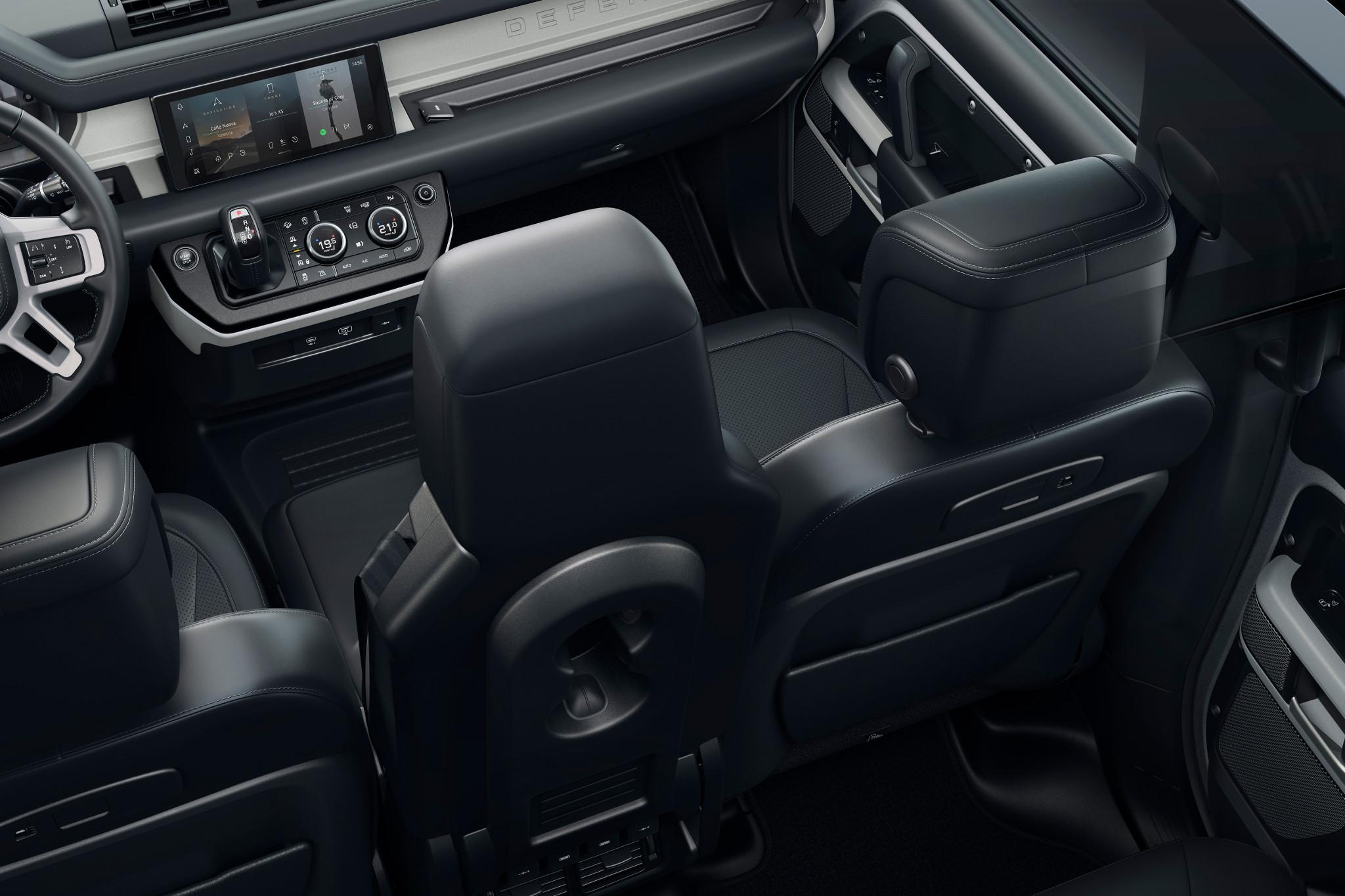 land-rover-defender-2020-11-front-row--interior.jpg