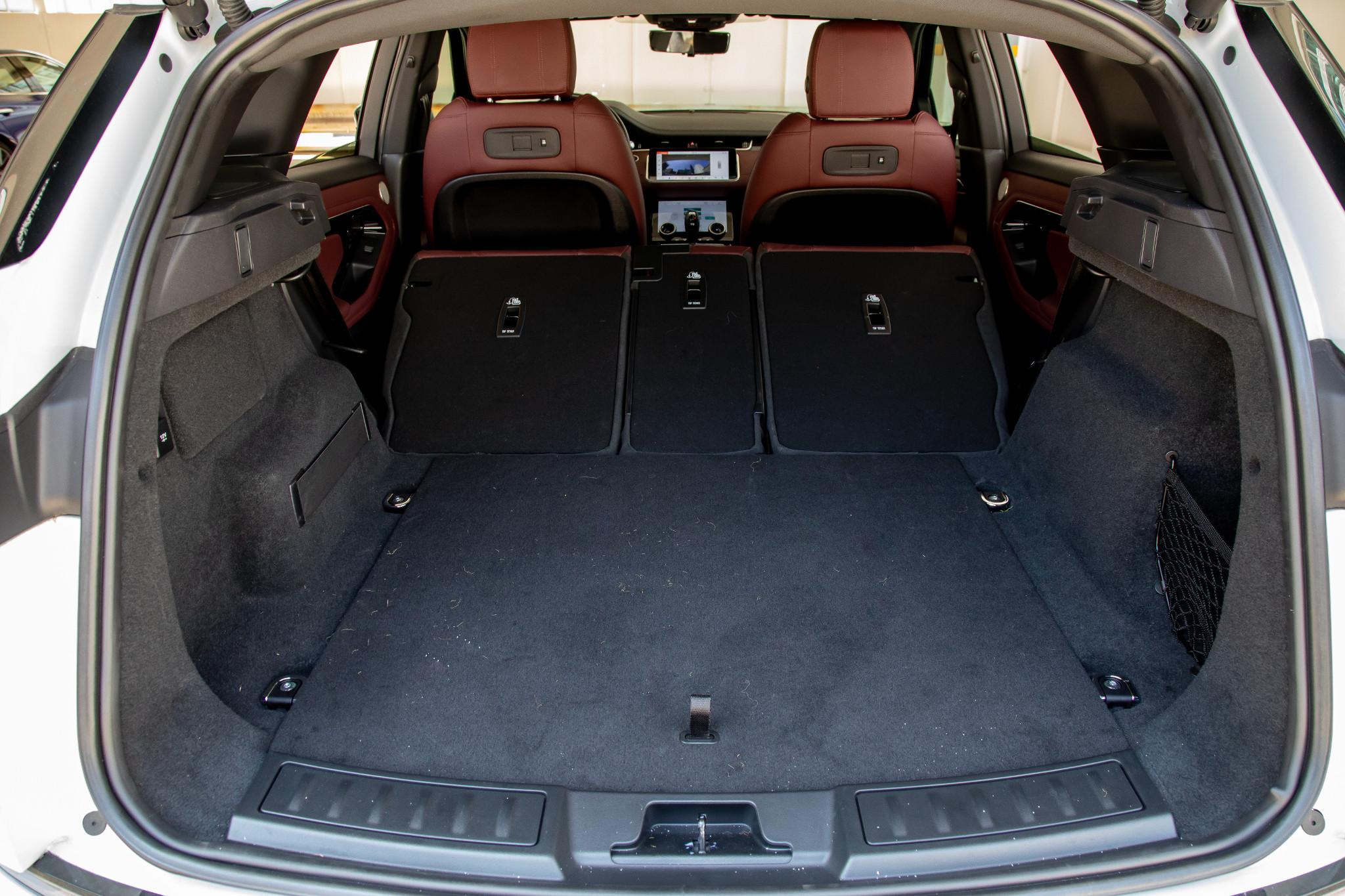 land-rover-range-rover-evoque-2020-53-folding-seats--interior--trunk.jpg