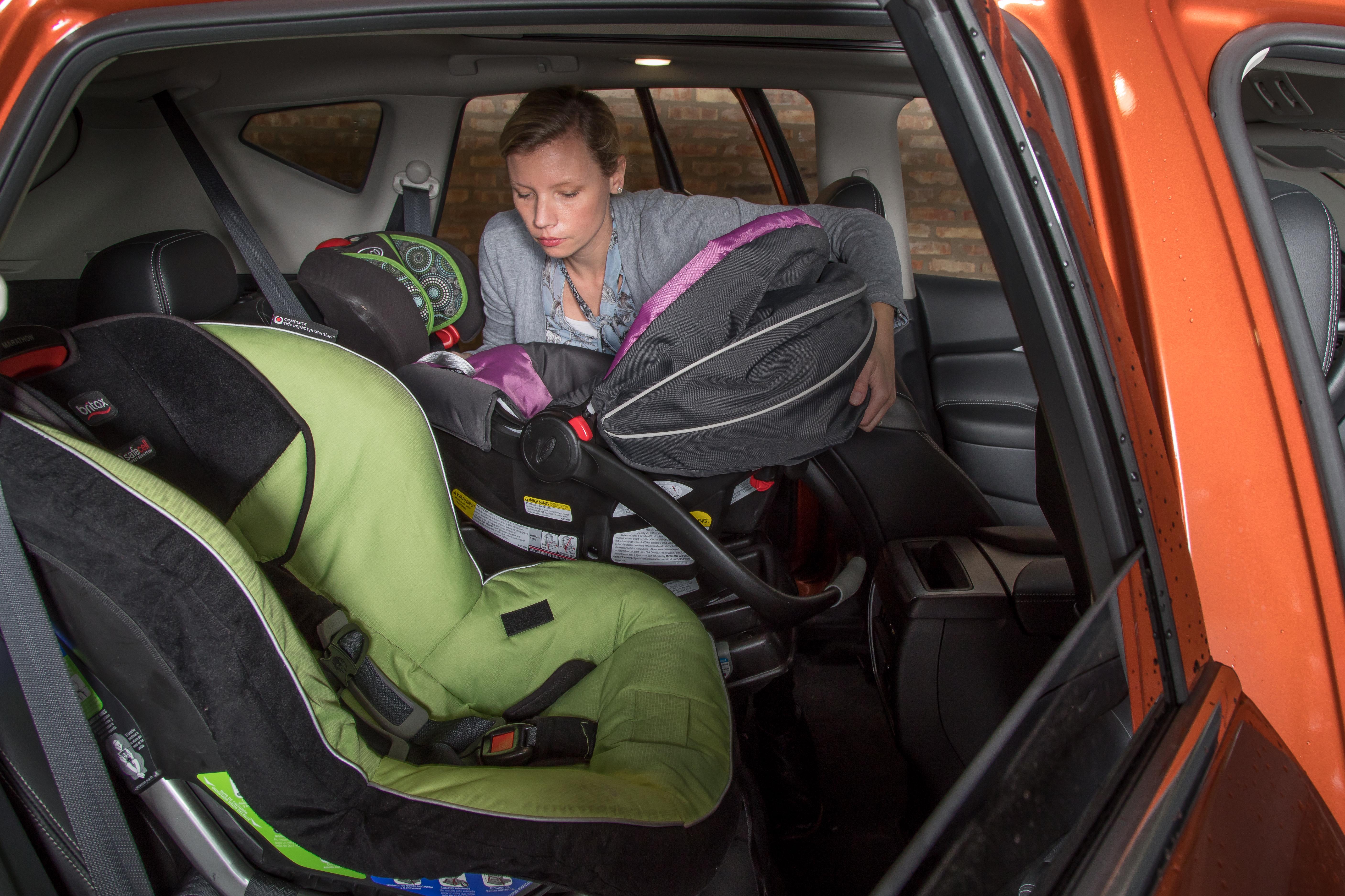 lead-nissan-murano-2019-car-seat-check-lead_cl