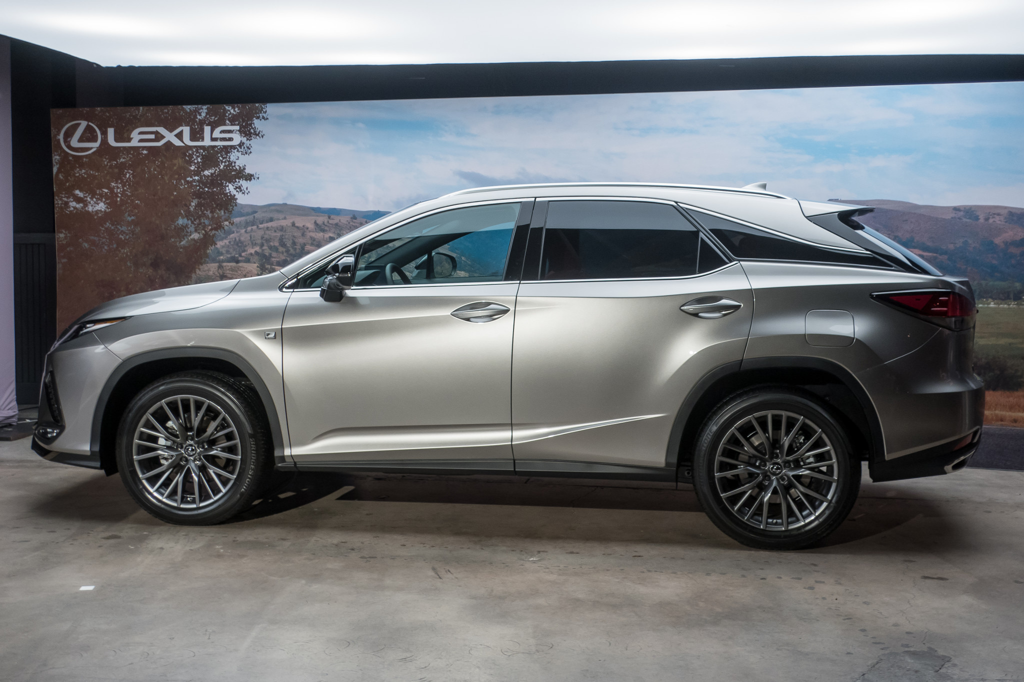 2020 Lexus RX 350 Addresses SUV's Biggest Problem, But Doesn