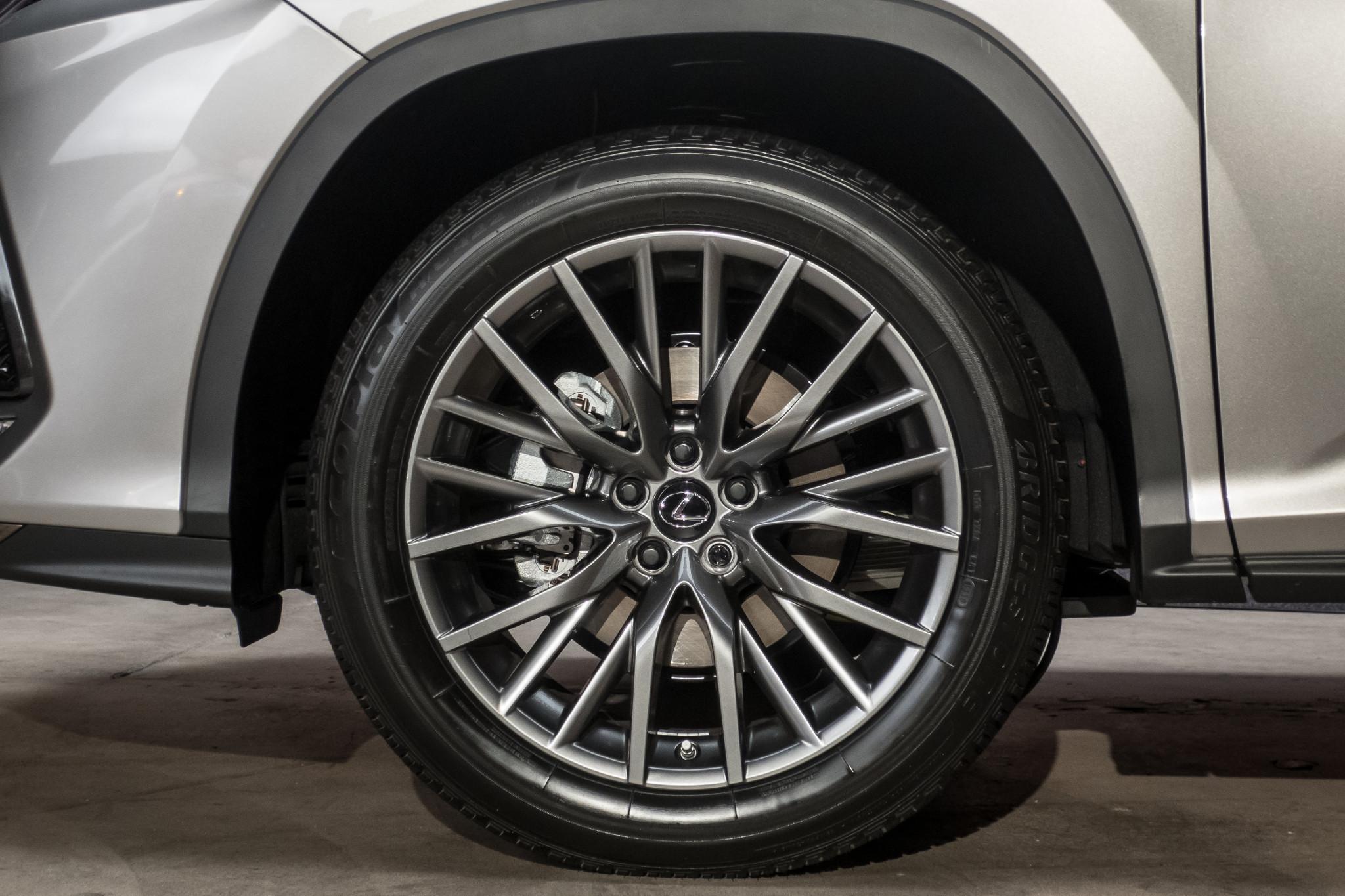 2020 Lexus RX 350 Addresses SUV's Biggest Problem, But Doesn't Fix