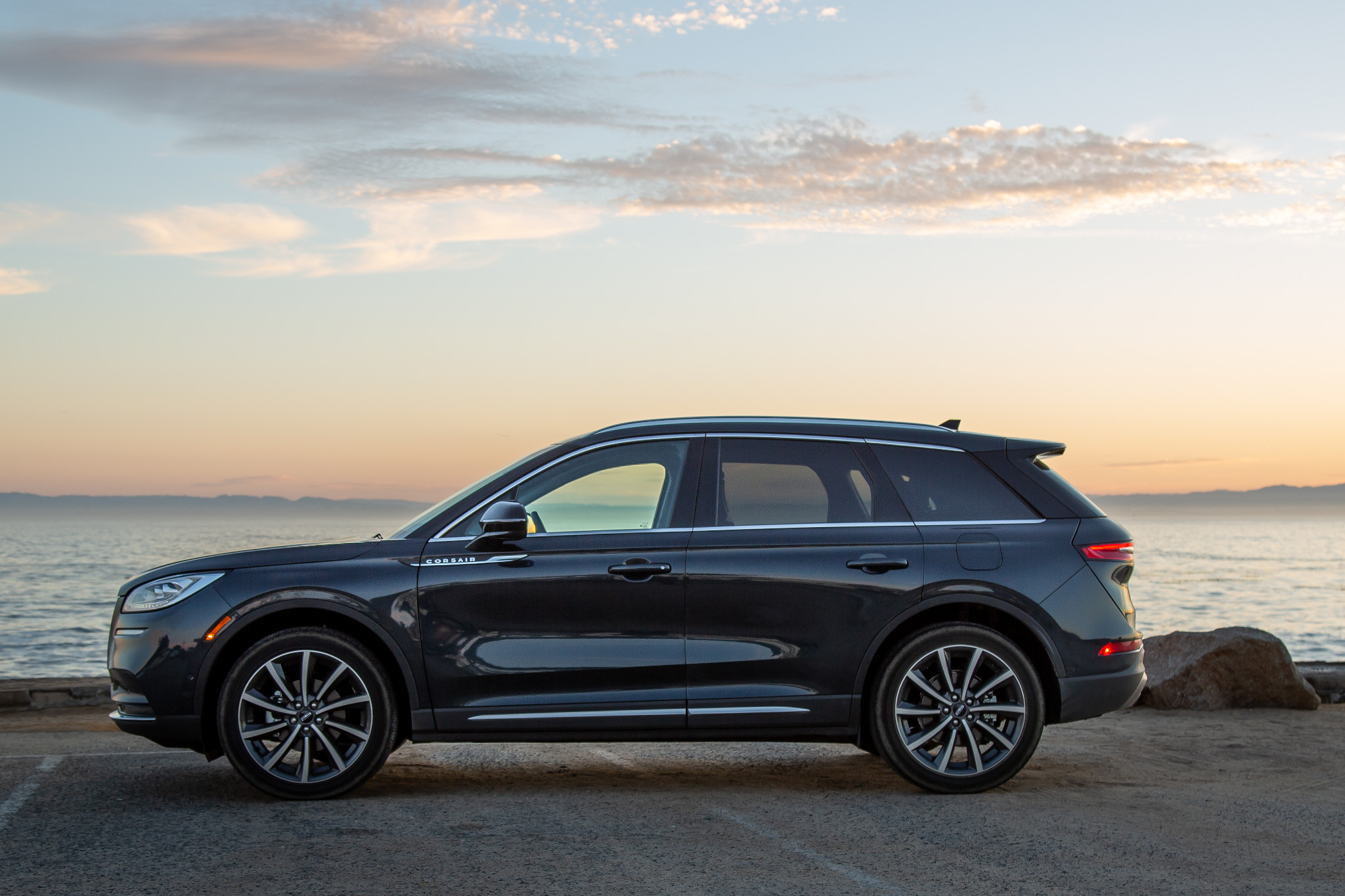 Top 5 Reviews and Videos of the Week: Lincoln Corsair Can't Sail Past Subaru Outback
