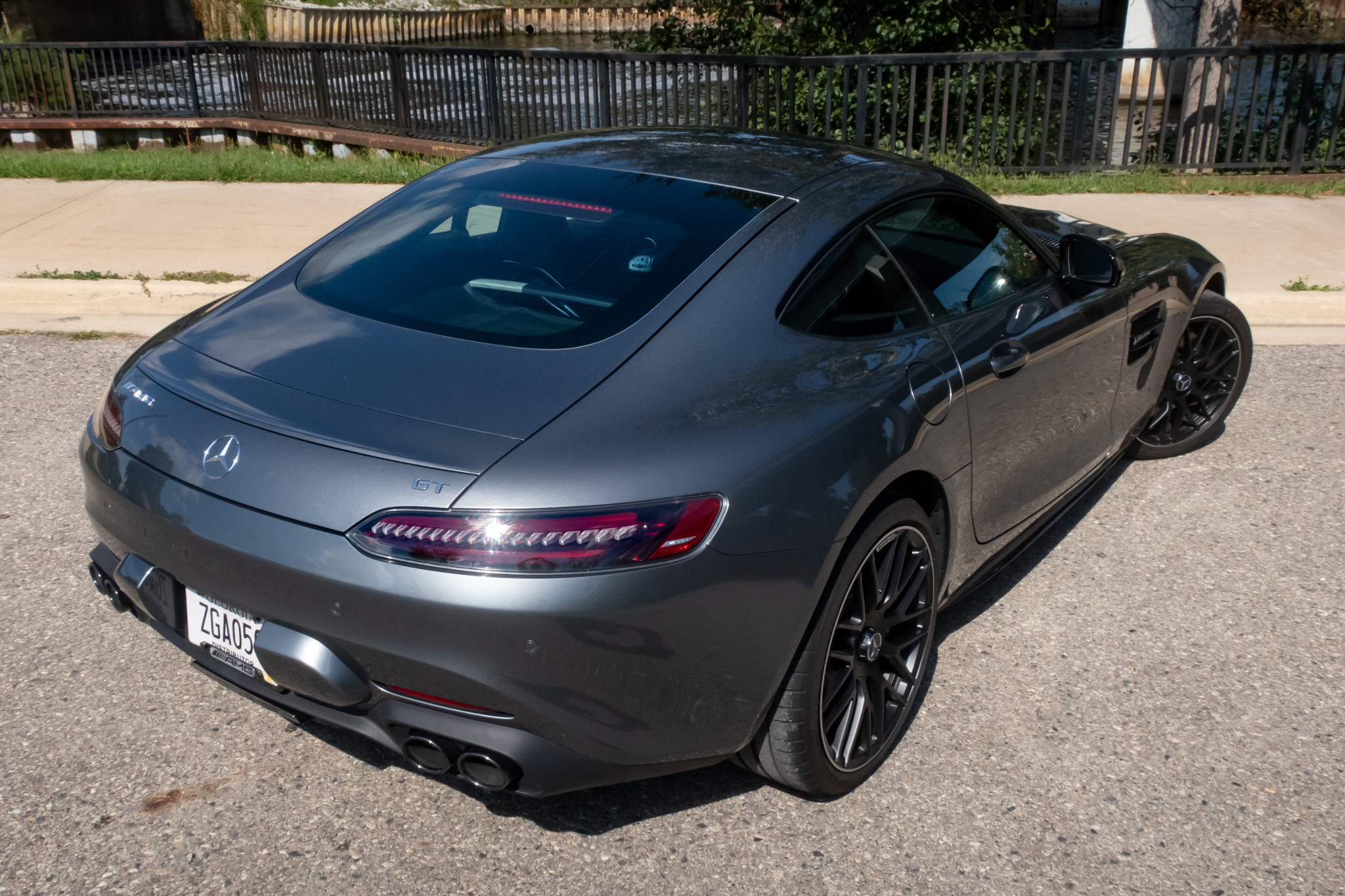 mercedes-benz-amg-gt-coupe-2020-angle--exterior--rear--silver-03.jpg