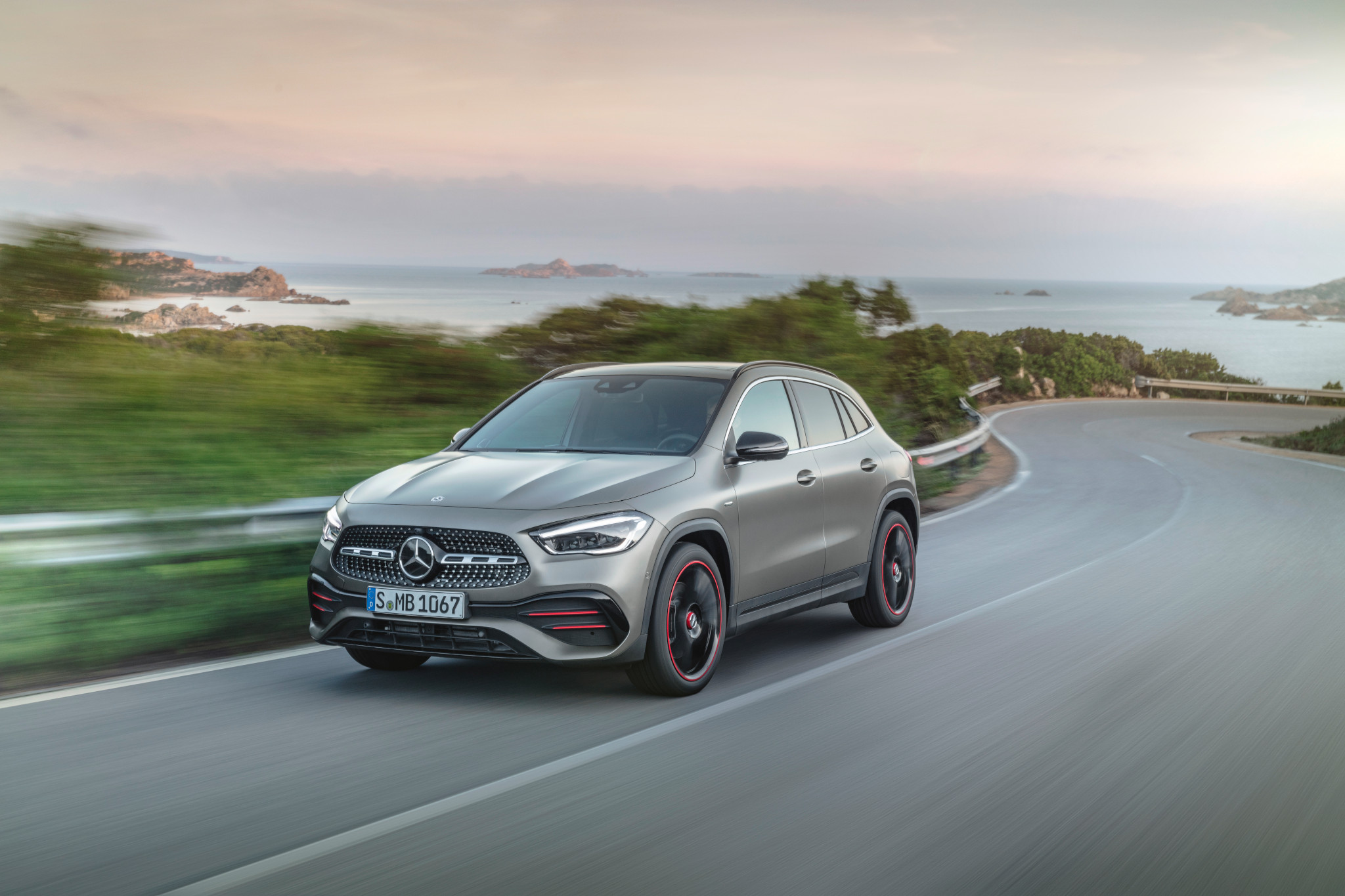 2021 Mercedes-Benz GLA-Class: L'il Fella of the Fam Gets More SUV Swag
