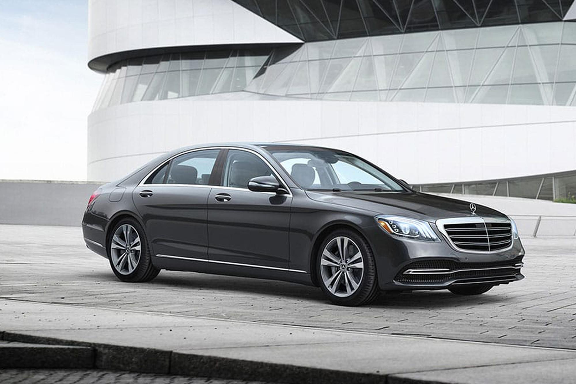mercedes-benz-s-class-2020-01-angle--black--exterior--front--urban.jpg