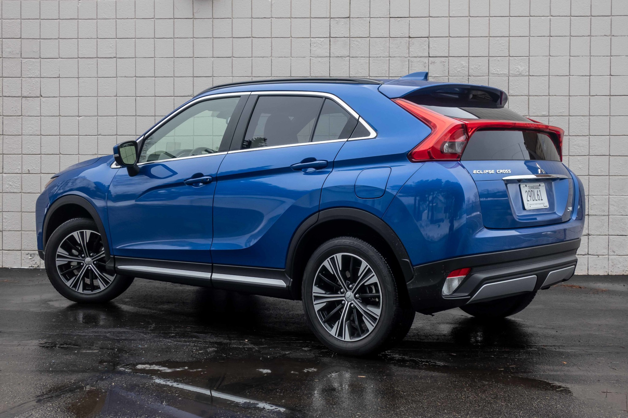 mitsubishi-eclipse-cross-2020-06-angle--blue--exterior--rear.jpg