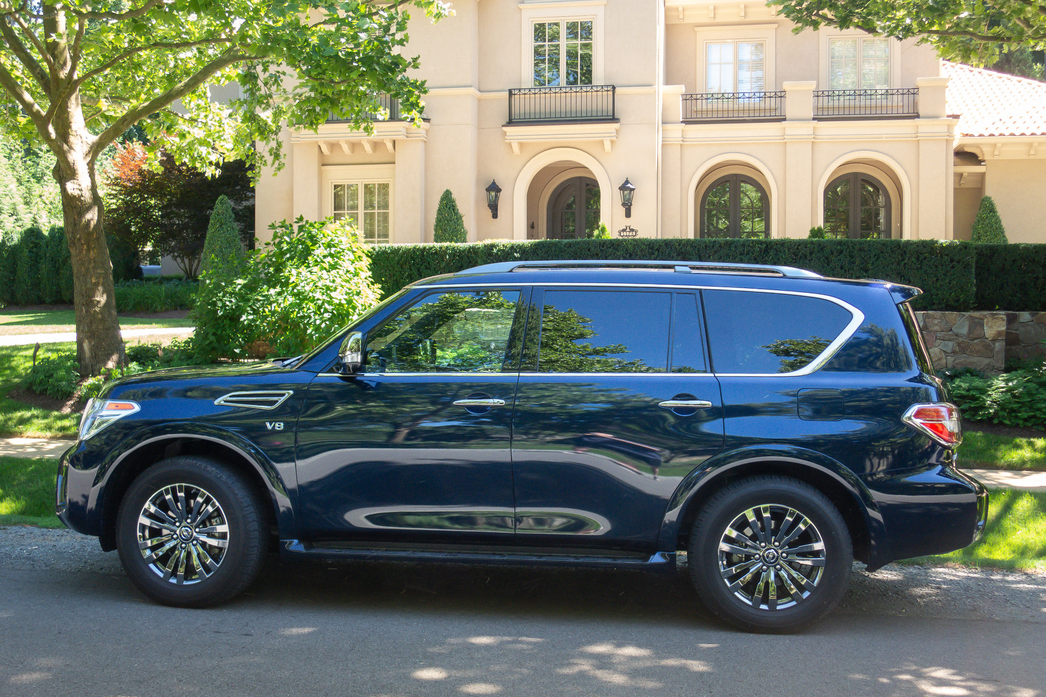 Nissan Armada Towing Capacity >> 2019 Nissan Armada 8 Things We Like And 4 Not So Much