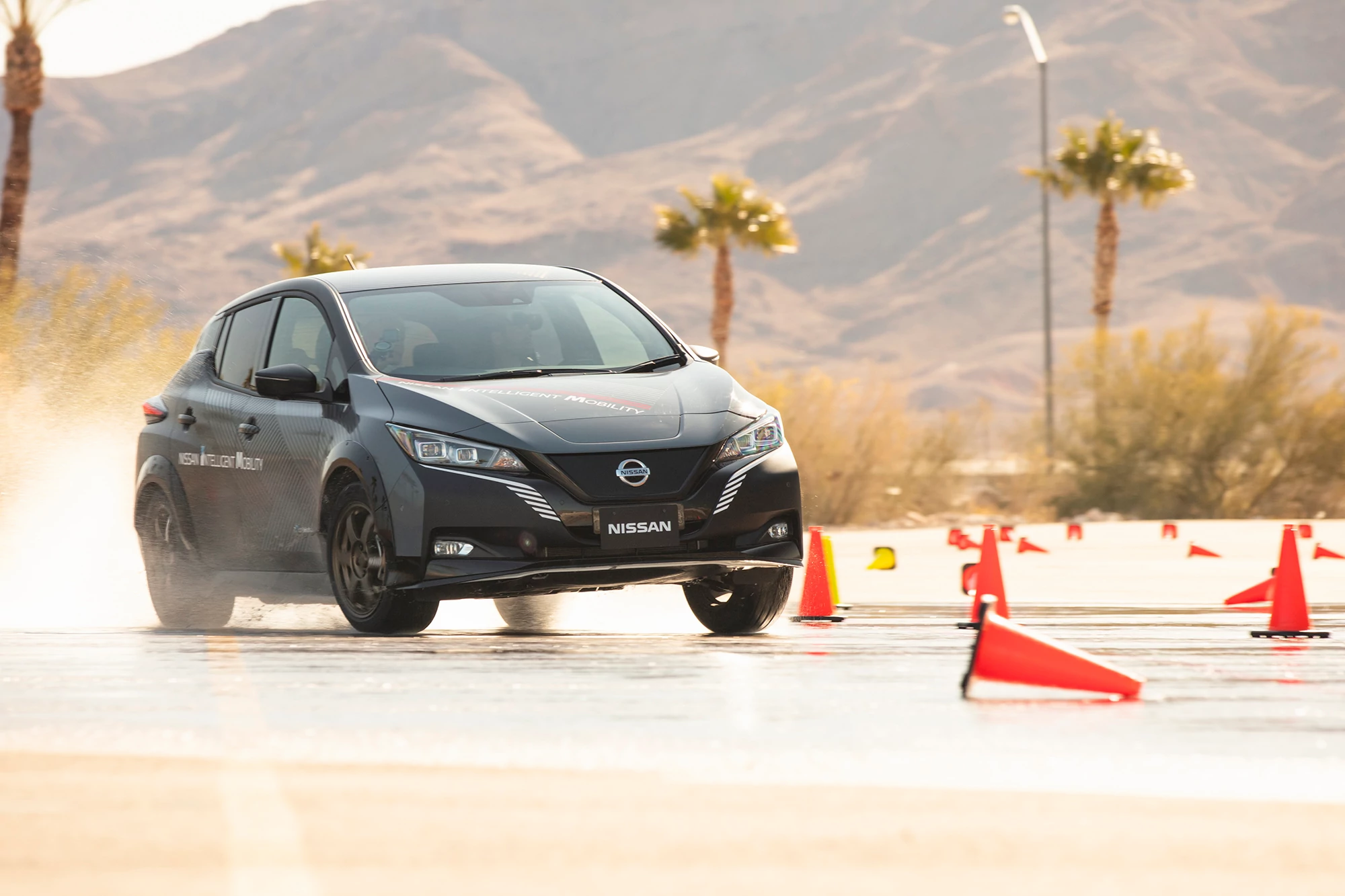 4 Ways Nissan's e-4orce Technology Tries to Help EV Drivers