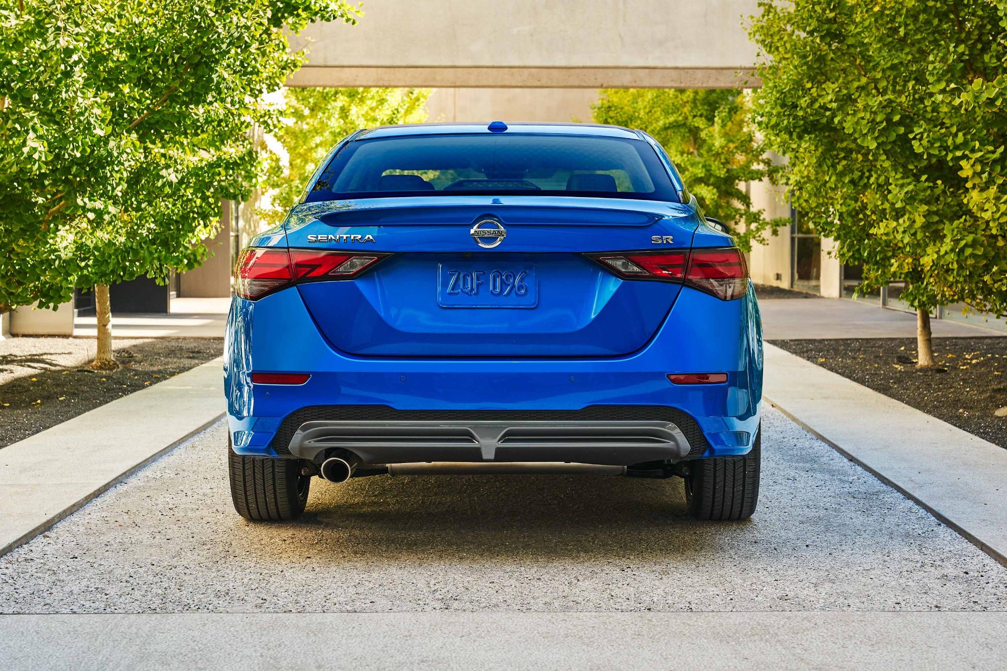 nissan-sentra-2020-05-blue--exterior--rear.jpg