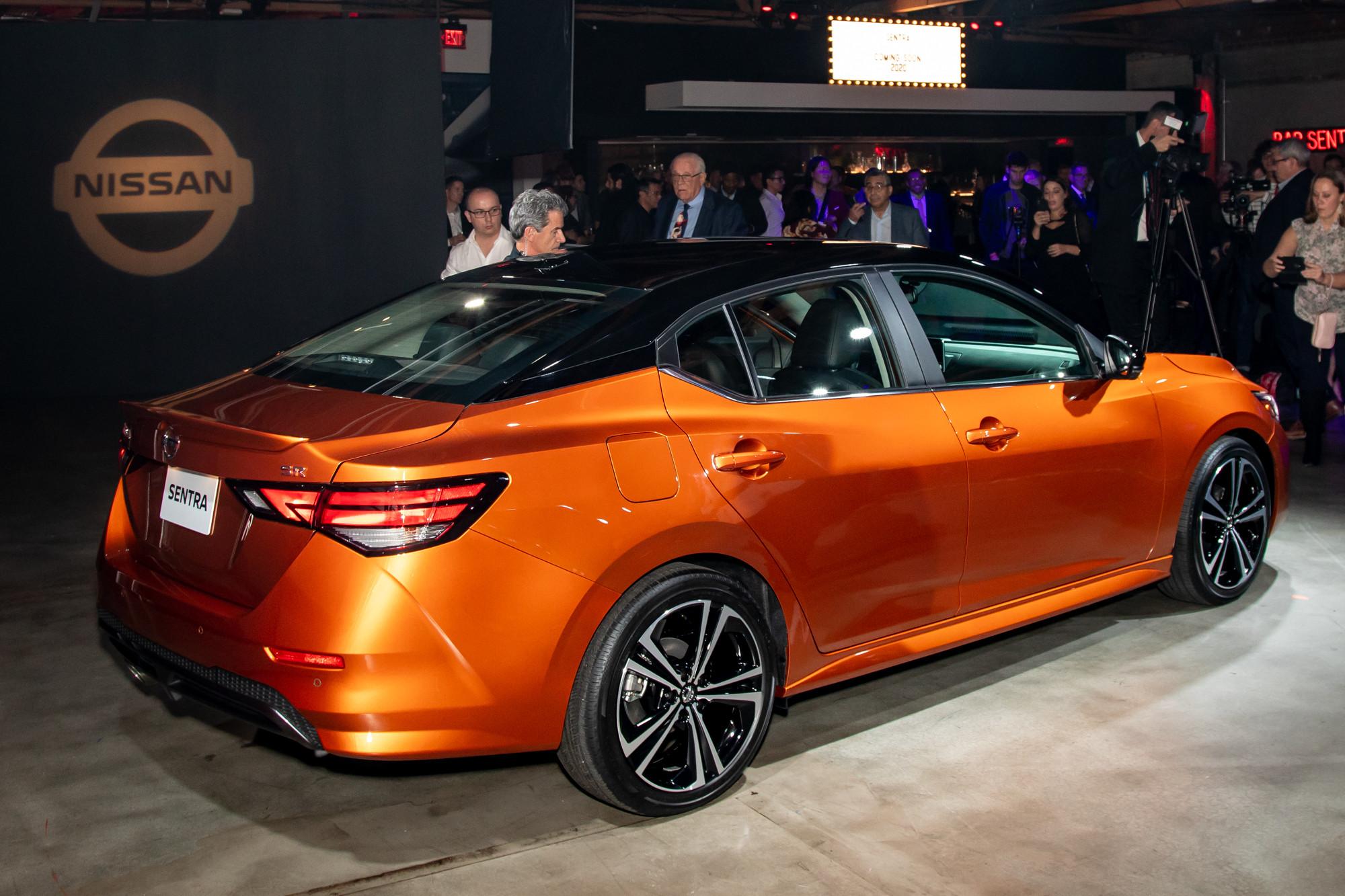 nissan-sentra-2020-cl-07-exterior-rear-orange.jpg