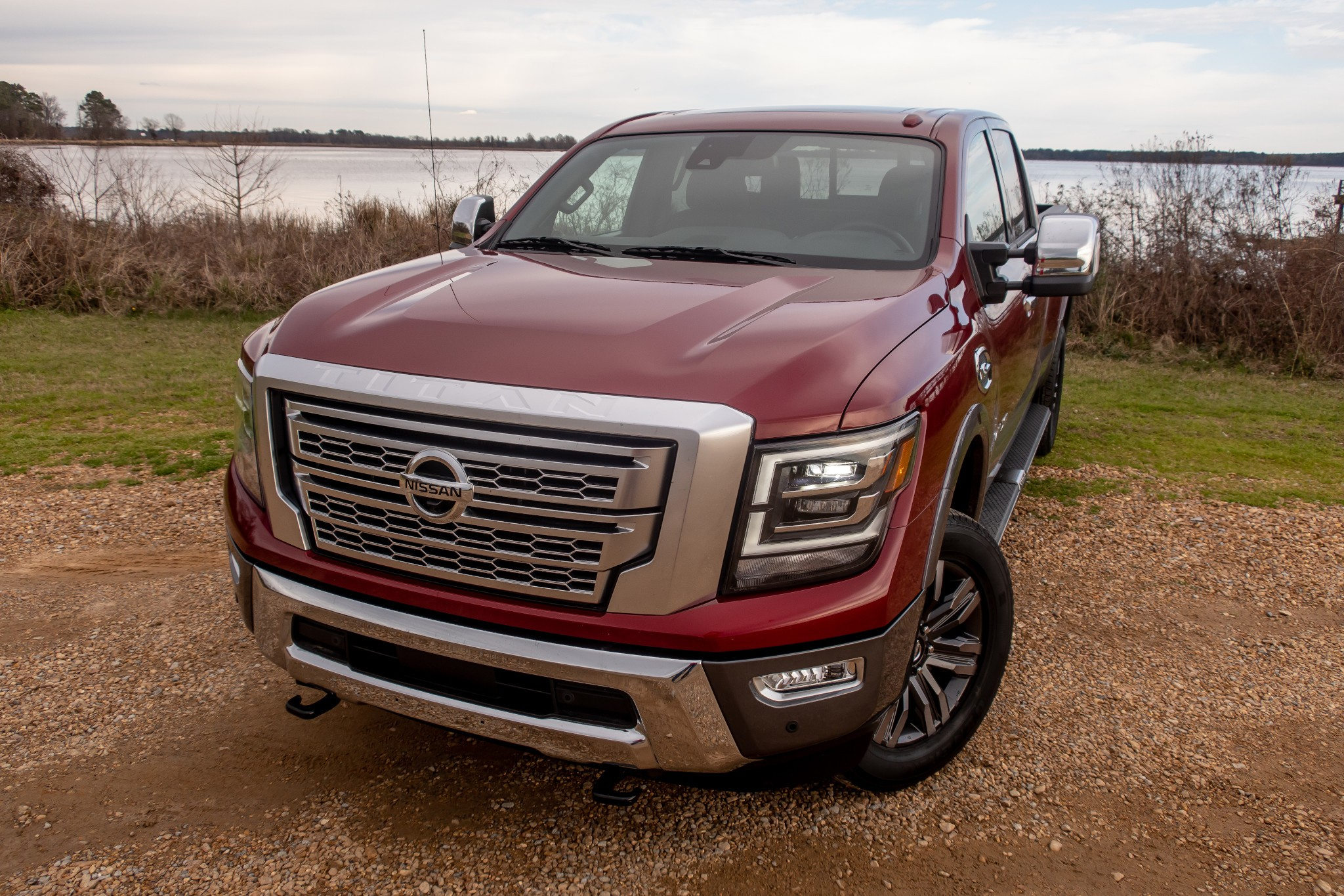 2020 Nissan Titan 6 Pros And 3 Cons News Cars Com