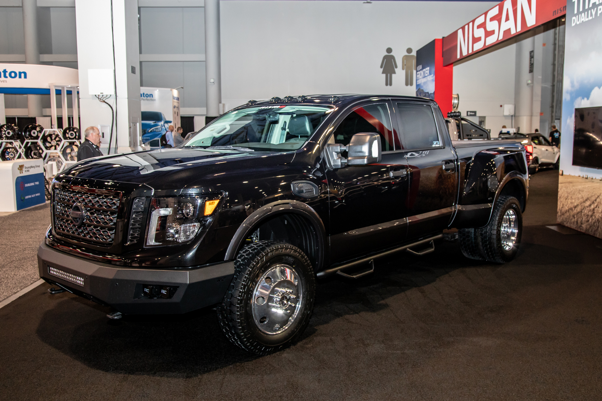 nissan-titan-xd-dually-project-2019-sema-02-