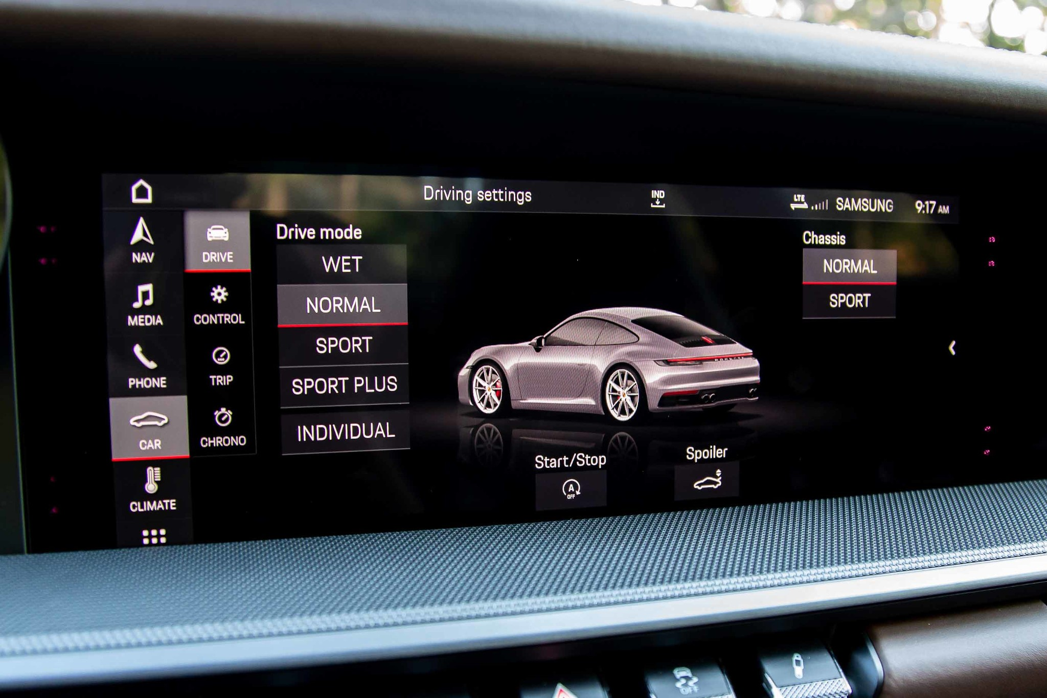 porsche-911-carrera-2020-24-center-stack-display--drive-mode--front-row--interior.jpg